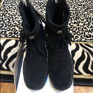 Minnetonka ankle bootie fringe moccasins